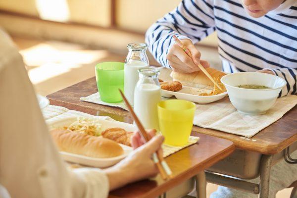 矯正治療中の家庭でのケア 食事