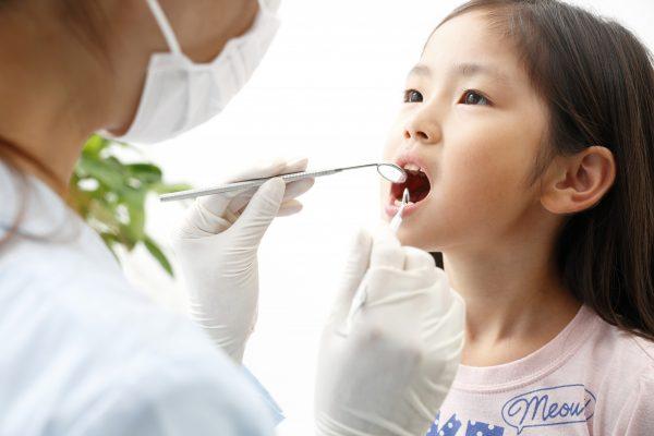 いちばん早くむし歯になるのは6歳臼歯